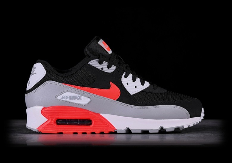 NIKE AIR MAX 90 ESSENTIAL INFRARED por €125,00 |
